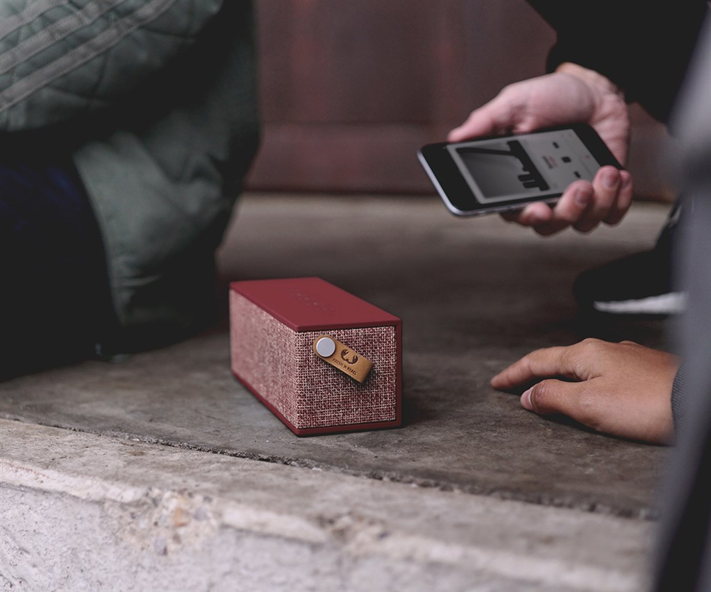 FRESH ´N REBEL Rockbox Brick Fabriq Edition Bluetooth reproduktor, Ruby, rubínov